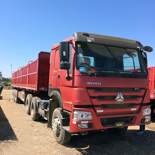 Howo Trucks Used in the Field of Dry Cargo Transport